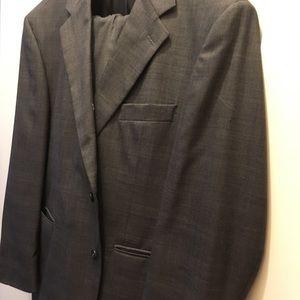 Stafford men's suit 36x30 44R